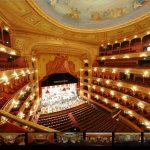 El Teatro Colón!