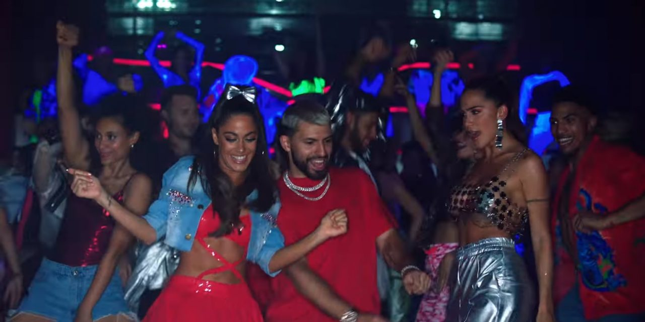 Tini lanzó «22» con el Kun Agüero y Pablito Lescano