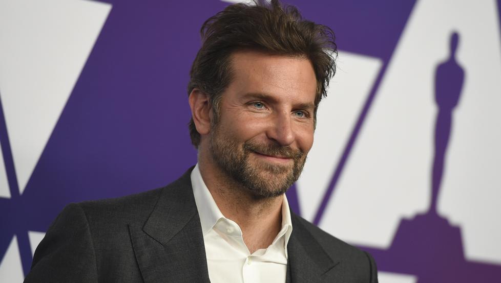 El raro look de Bradley Cooper!
